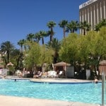 mandalay bay pool