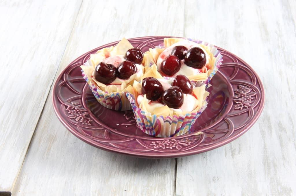 no-bake cherry cream pie