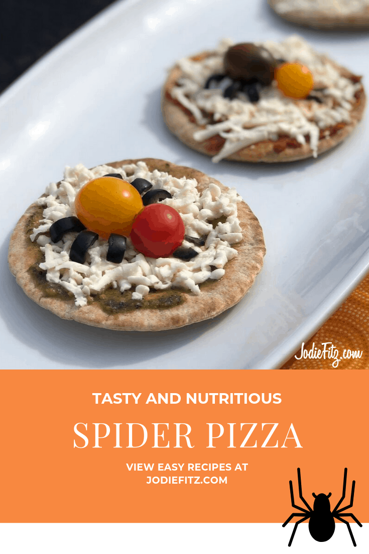 Spider Pizza makes for a Healthy Halloween Snack #halloween #recipe #halloweentreat #thingstodowithkids #familyfun