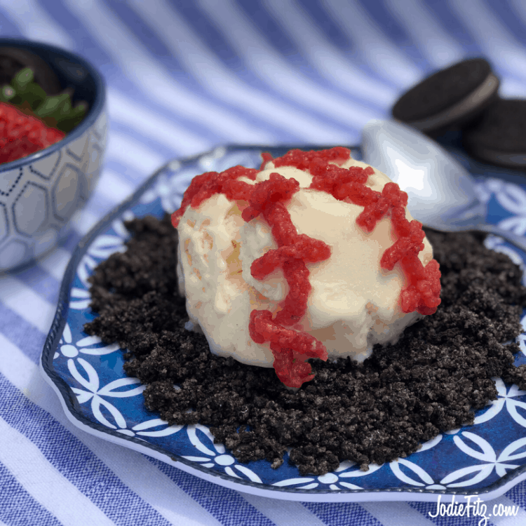 No Bake Dessert with Cookies and Cream Frozen Yogurt